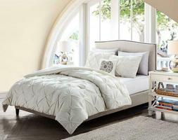 VCNY Home CMN-4CS-QUEN-GP-WH Carmen Comforter Set Color: Whi
