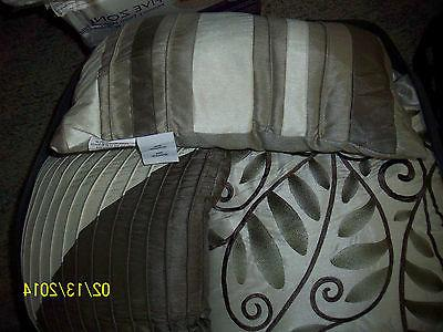 "Madison KING ""Amherst"" Comforter In Pk"
