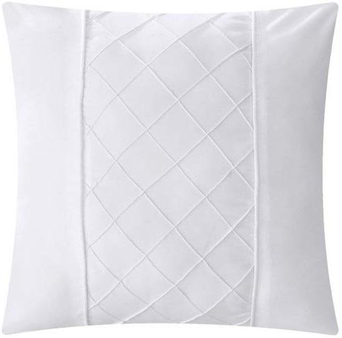 Chic Hannah and King Bed In Comforter White sheet