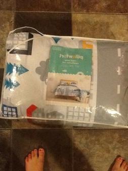 Pillowfort road map full/queen comforter set kids/boys