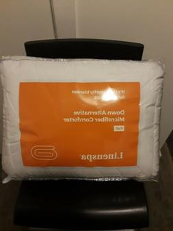 Linenspa White Reversible Down Alternative Microfiber Quilte